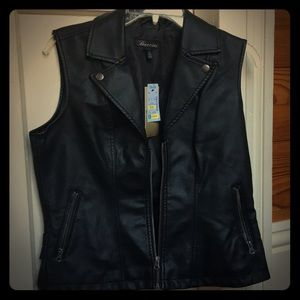 Fraud leather jacket, size M.